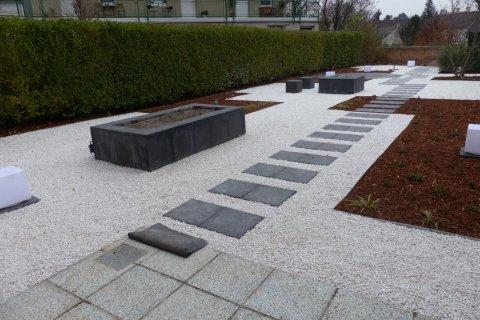 Referenz Schodl moderner-Kiesgarten