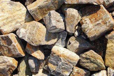 Naturstein und Zierstein