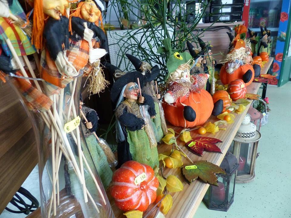 Herbstdekorationen im Büro