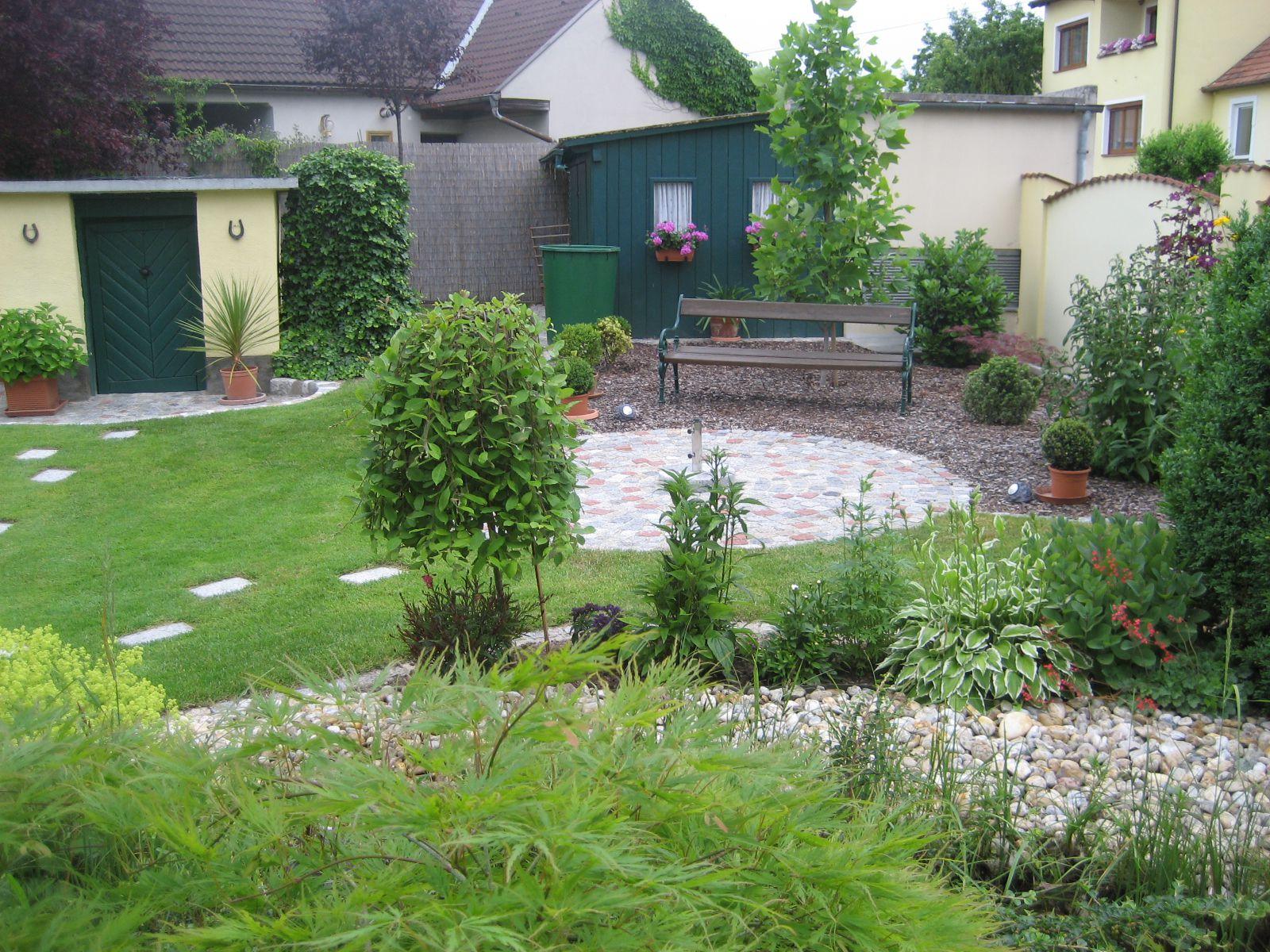 wohngarten garten wasser stein. Black Bedroom Furniture Sets. Home Design Ideas