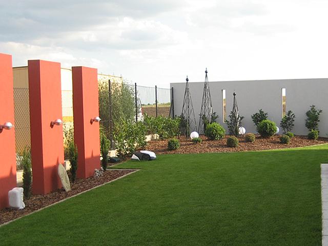 moderner wohngarten garten wasser stein. Black Bedroom Furniture Sets. Home Design Ideas